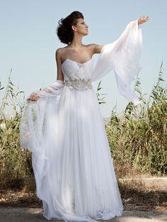 Grecian wedding dress, for modern goddess-looking brides.Wedding dress by the Greek designer Anna Bekiri