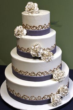 Golden Edge Cascade wedding cake by Alliance Bakery, via Flickr