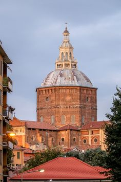 Cathedral in Pavia, Italy, on a summer evening by Simona Coccodrilli on 500px.com