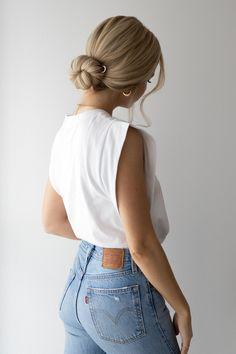 HOW TO: FRENCH PIN BUN Hair Tutorial | www.alexgaboury.com Bun Hairstyles, Wedding Hairstyles, Bun Styles, Aesthetic Hair, Grunge Hair, Hair Looks, Hair Lengths, Hair Pins, Hair Inspiration