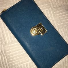 Michael Kors Wallet Unique color, only used twice! Looks brand new! Michael Kors Bags Wallets