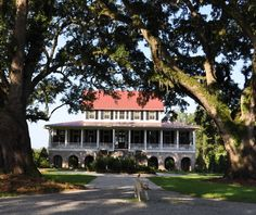 <3  almost sure we toured this house outside of Savannah a number of years ago; a movie was being made there at the time.