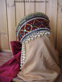 Russian Hat, Russian Fashion, Headdress, Headpiece, Folklore, Diy Crafts For Girls, Cape Scarf, Crown Pattern, Ethnic Outfits