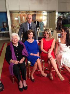 The Bush Ladies: Barbara Bush, Laura Bush, Jenna Bush Hager and Barbara Bush Pierce. Barbara Pierce Bush, Barbara Bush, Presidential History, Presidential Libraries, American Presidents, Us Presidents, Jenna Bush Hager, Bush Family, Laura Bush