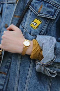 Gold Tone Mesh Strap Watch http://bit.ly/1BJmH0K Vintage Embroidery Detail Jumper http://bit.ly/1xe2lbJ Vintage Oversized Simpson Denim Jacket http://bit.ly/1xe2uMr