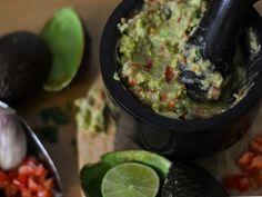 Guacamole Nachos, Guacamole, Mexican, Ethnic Recipes, Food, Greek Recipes, Essen, Tortilla Chips, Yemek