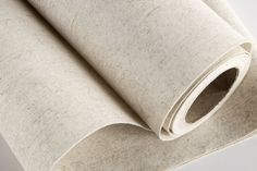 This flax wallpaper high tear-and UV-resistance, a soft touch, as well as good insulating properties. The wallpaper does not require a supporting material.