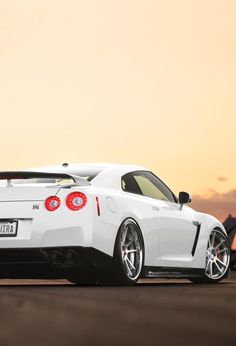 Snow white Nissan GT-R