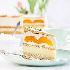 Lust auf Torte? Wie wäre es dann mit dieser Aprikosen-Pudding-Sahnetorte? Rezept auf dem Blog: Rezepte -> Süß. - - - - - Want a piece of cake? How about this apricots pudding cream cake? Recipe on the blog! - - - - - #foodlovers #food #foodie #f52gram #feedfeed #foodporn #foodstagram #foodstyling #foodphotography #cake #torte @beautifulcuisines #huffposttaste #eeeeeats #yahoofoods #instagood #vscofood #heresmyfood #onmytable #onthetable #maraswunderland #apricots #ichliebefoodblogs…