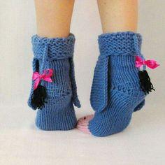 Eeyore knitted donkey socks from Winnie the Pooh! Eeyore knitted donkey socks from Winnie the Pooh! Yarn Projects, Knitting Projects, Crochet Projects, Knitting Patterns, Crochet Patterns, Crochet Crafts, Yarn Crafts, Knit Crochet, Wool Socks