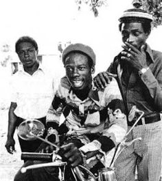 One of my favorite versions of this tune. I think the IRoy/Heptones combo works brillliantly here on JA Merritone. Music Pics, Music Images, Black Music Artists, Jamaica Music, Genre Musical, Reggae Artists, Music Genius, Laurel, Music Machine