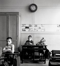 'le cadran scolaire' - paris 1956 by Robert Doisneau | via irresistible irreverence ~ Cityhaüs Design