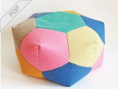 Nähanleitung für ein Pouf-Sitzkissen mit geometrischem Muster / diy sewing instruction: geometrical pouf by DIY-Sewing-Academy via DaWanda.com