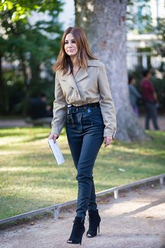 How to Dress Like Fashion Editor with Christine Centenera - Total Street Style Looks And Fashion Outfit Ideas 1950s Jacket Mens, Cargo Jacket Mens, Green Cargo Jacket, Leather Jacket, Utility Jacket, Star Fashion, Look Fashion, Street Fashion, High Fashion