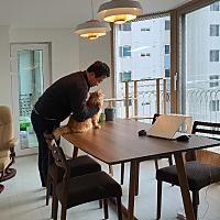 [아파트인테리어] 예쁜집 로망실현! 개구쟁이 두 아들도 웃음가득 47평 보금자리 : 네이버 포스트 Office Desk, Conference Room, Table, House, Home Decor, Desk Office, Decoration Home, Desk, Home