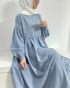 Indian Fashion Dresses, Girls Fashion Clothes, Abaya Fashion, Muslim Fashion, Fashion Outfits, Mode Vintage, Blouses For Women, Casual, Fashion Design