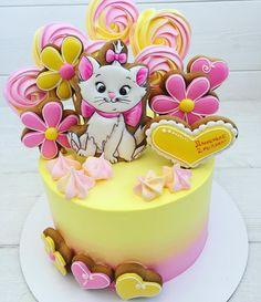 Второй год делаю торт для маленькой Дашеньки !!! Она очень любит кошечку Мери, и вот на торте она радует Ее на торте !!! P.s. Девочки, пряники рисую только на свои торты!!!! каждый день отвечаю на один и тот же вопрос !!! ⠀ Для заказа пишите мне в личку ВК / вотсап ☎️89137844442 #миртортов#тортновосибирск#тортнагодик#кендибар#пряникиновосибирск#нск#подарок#тортназаказновосибирск#заказатьтортновосибирск #новосибирск#кондитерскаяновосибирск#новосибирсккондите...