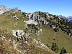 In der Natur unterwegs: Familientrip mit Gipfelsupplement - La Riondaz Das Ziel ist in Sichtweise: Bergstation Berneuse #Leysin #wandern #Schweiz