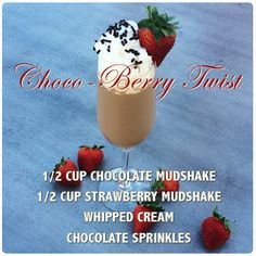 Choco-Berry Twist- Vodka Mudshake Recipe Chocolate Sprinkles, Whipped Cream, Vodka, Panna Cotta, Berries, Strawberry, Drinks, Ethnic Recipes, Food