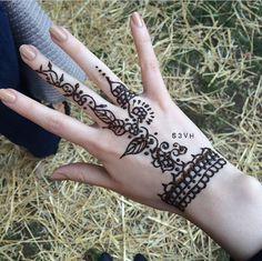 #Henna #s3vh #instagram #design Instagram Design, Henna Patterns, Mehndi Designs, Hand Henna, Hand Tattoos, Tattoo, Indian Tattoos, Mehandi Designs