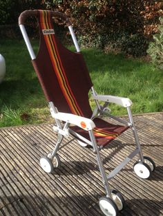 Vintage Retro Cindico, replaced my silver cross pram/pushchair for ease on the bus. Vintage Pram, Vintage Toys, Retro Vintage, Pram Toys, Dolls Prams, Childhood Toys, Childhood Memories, Silver Cross Prams, Prams And Pushchairs