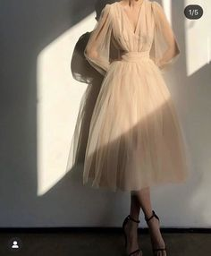 Elegant Outfit, Elegant Dresses, Pretty Dresses, Beautiful Dresses, Formal Dresses, Mein Style, Prom Dresses With Sleeves, Looks Chic, Look Fashion