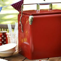 Lovely red retro picnic cooler