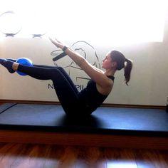 Pilates em casa: veja sequência de exercícios e redesenhe as curvas