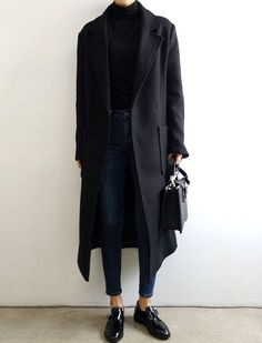 Le parfait total look noir #243 (photo Death By Elocution)