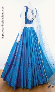 A-Line Wedding Dresses Collections Overview 36 Gorgeou… Indian Fashion Dresses, Indian Bridal Outfits, Indian Gowns Dresses, Dress Indian Style, Indian Bridal Fashion, Indian Designer Outfits, Pakistani Dresses, Indian Wear, Fashion Outfits