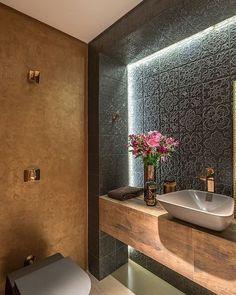 Dsc design: badezimmer von andréa buratto architecture & decoration - Noora A. Bathroom Spa, Modern Bathroom, Small Bathroom, Bathroom Lighting, Bathroom Ideas, Half Bathrooms, Bathroom Layout, Bathroom Designs, Bad Inspiration