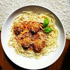 Delicious Meatballs spaghetti with basel | Esparguete com almôndegas e manjericão, delicioso!