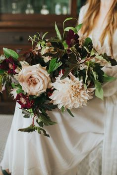 Fall bridal bouqet | Image by Amber Vickery Photography