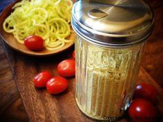 "16 recipes for vegan nut-based ""cheese"" Raw Vegan Cheese Recipe, Raw Cheese, Delicious Vegan Recipes, Raw Food Recipes, Vegetarian Recipes, Vegan Food, Yummy Food, Pesco Vegetarian, Raw Living"