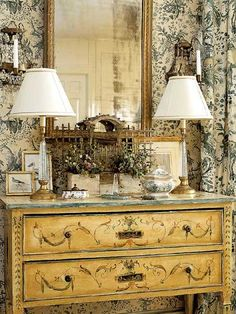 Bedroom with toile walls & curtains - painted chest - designer: Bobbi Smith - photo: Antoine Bootz - Southern Accents