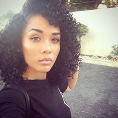 Find images and videos about beautiful, hair and beauty on We Heart It - the app to get lost in what you love. Natural Hair Inspiration, Natural Hair Tips, Natural Curls, Natural Hair Styles, Locks, Hair Journey, Big Hair, Crazy Hair, Hair Hacks