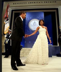 this photo. god, DNC can't i just win the dinner with Michelle & Barack sweepstakes!