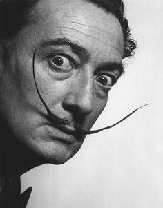 Salvador Dali Portrait | ... du portrait de Salvador Dali en Apu, le gérant de la supérette