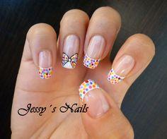 uñas con frances y puntos de colores