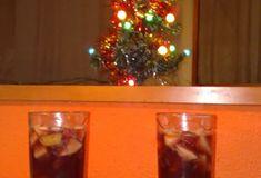 Voňavý vianočný ovocný punč Thing 1, Rum, Liquor Cabinet, Smoothie, Home Decor, Decoration Home, Room Decor, Smoothies, Rome