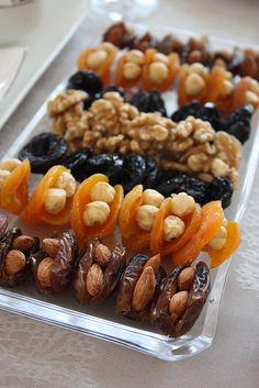 Untitled – Kahvaltılıklar – The Most Practical and Easy Recipes Plats Ramadan, Ramadan Recipes, Iftar, Food Decoration, Food Platters, Turkish Recipes, Food Presentation, Food Design, Finger Foods