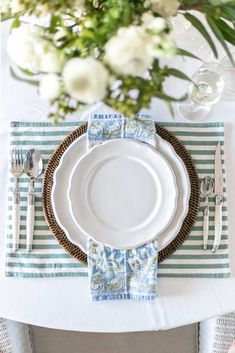 Cottonwood & Co - table setting (blue, white, green)