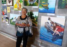 Elsa Rojas... orgullosa y feliz (arriba está su Tigre) ¡¡¡Gracias Elsita por tu ayuda en el montaje de la expo!!!