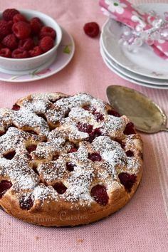 gâteau-aux-framboises-facile-rapide Pie Crumble, Dessert Aux Fruits, Number Cakes, French Food, Tea Time, Biscuits, Waffles, Deserts, Food And Drink
