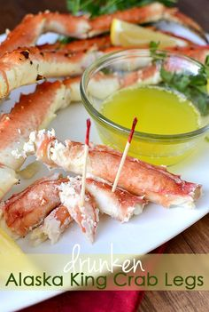 Drunken Alaska King Crab Legs Hy-Vee Cooking Video And Giveaway by Iowa Girl Eats Fish Dishes, Seafood Dishes, Antipasto, My Favorite Food, Favorite Recipes, King Crab Legs, Crab And Lobster, Crab Recipes, I Love Food
