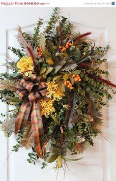 Fall...I want this fall wreath..pretty<3