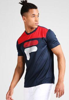 Fila - TIM - Print T-shirt - peacoat blue/fila red Fila Outfit, Lit Outfits, Fitness Photoshoot, Sport, Tee Design, Stylish Men, Shirt Designs, Tee Shirts, Menswear