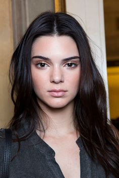Fashion week backstage kendall jenner ideas for 2019 Catwalk Makeup, Runway Makeup, Beauty Makeup, Hair Makeup, Hair Beauty, Teen Makeup, Nude Makeup, Makeup Tips, Kendall Jenner Maquillaje