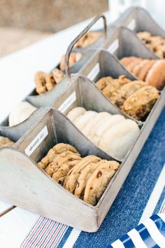 Summer wedding dessert idea - fun + creative wedding dessert idea - ice cream sandwich bar {Courtesy of The TomKat Studio} Sandwich Bar, Roast Beef Sandwich, Sandwich Station, Burger Bar, Ice Cream Social, Ice Cream Party, Ice Cream Wedding, Wedding Desserts, Cookie Bar Wedding
