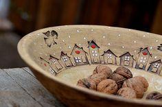 obří mísa s příběhem-zima na vesnici/ rezervace / Zboží prodejce lavender Pottery Plates, Slab Pottery, Ceramic Pottery, Pottery Art, Pottery Painting, Ceramic Painting, Ceramic Clay, Ceramic Plates, Cerámica Ideas